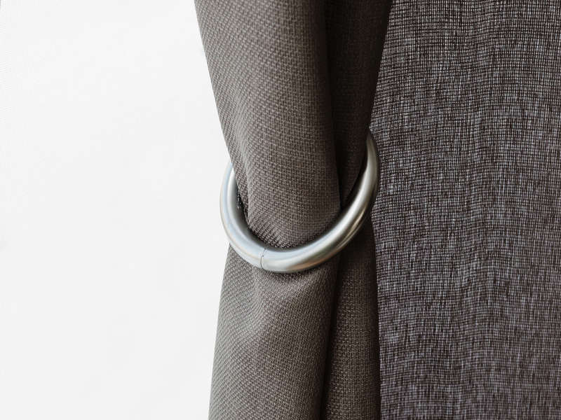 Halo Curtain Tieback