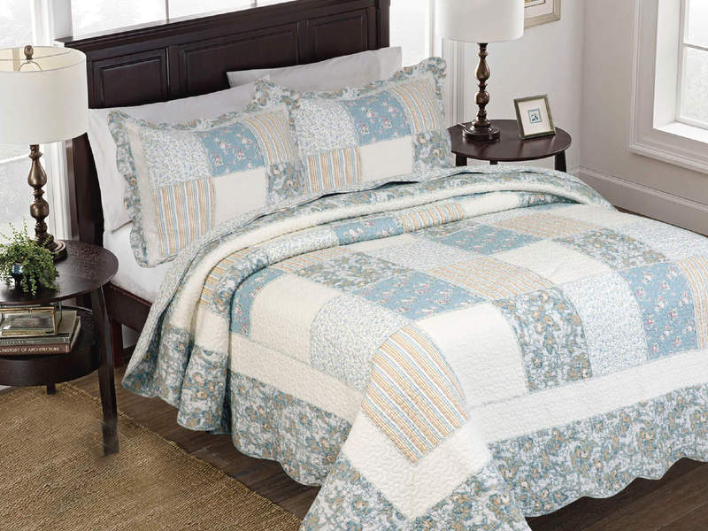 Windermere Quilt <br>by Peace Arch