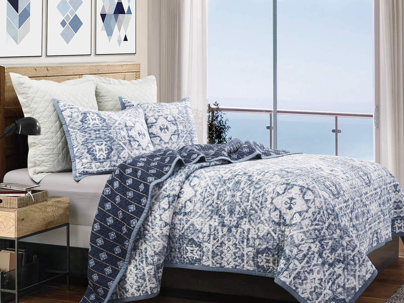 Caravel Quilt <br>by Peace Arch
