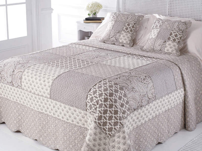 Palladium Quilt <br>by Peace Arch