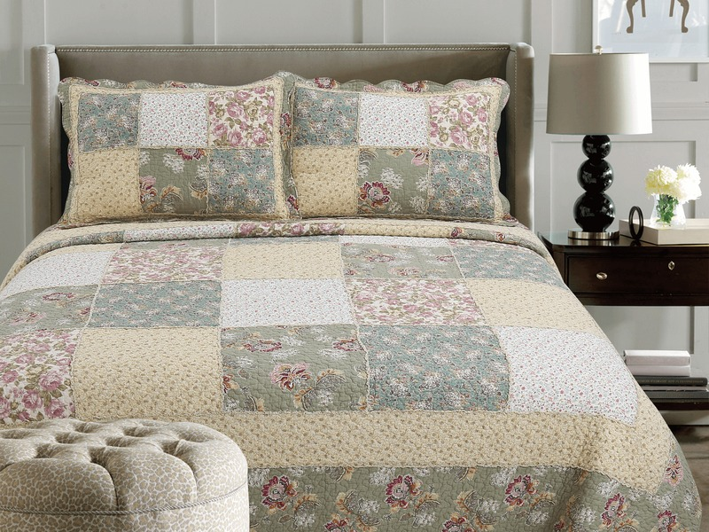 Aurora Quilt <br>by Peace Arch