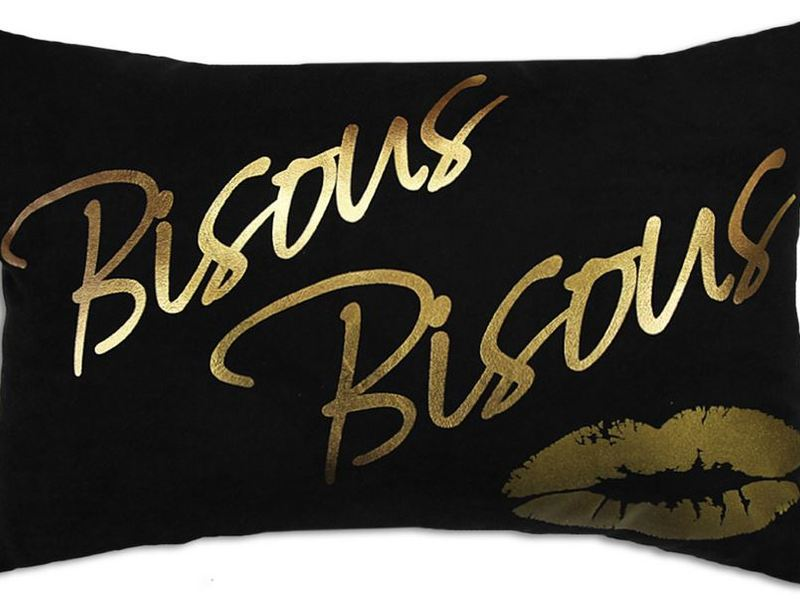 Bisous Bisous Cushion