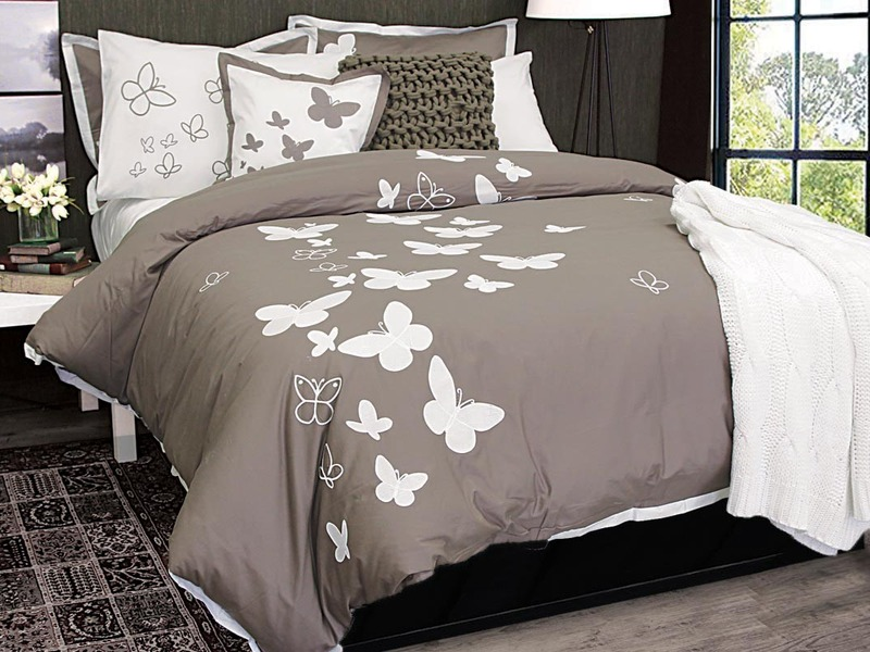 Butterfly Kisses Bedding by Alamode