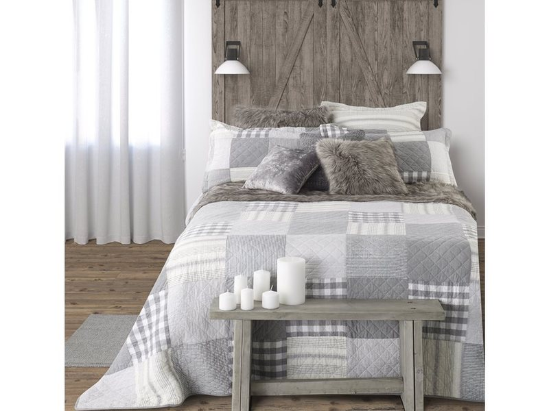 Cottage Quilt <br>by Brunelli