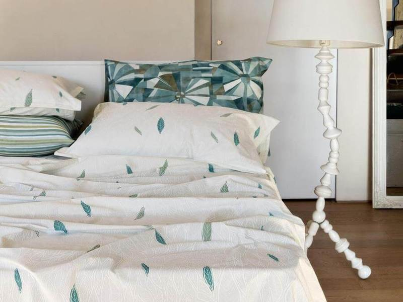 Flow Bedding by Fazzini