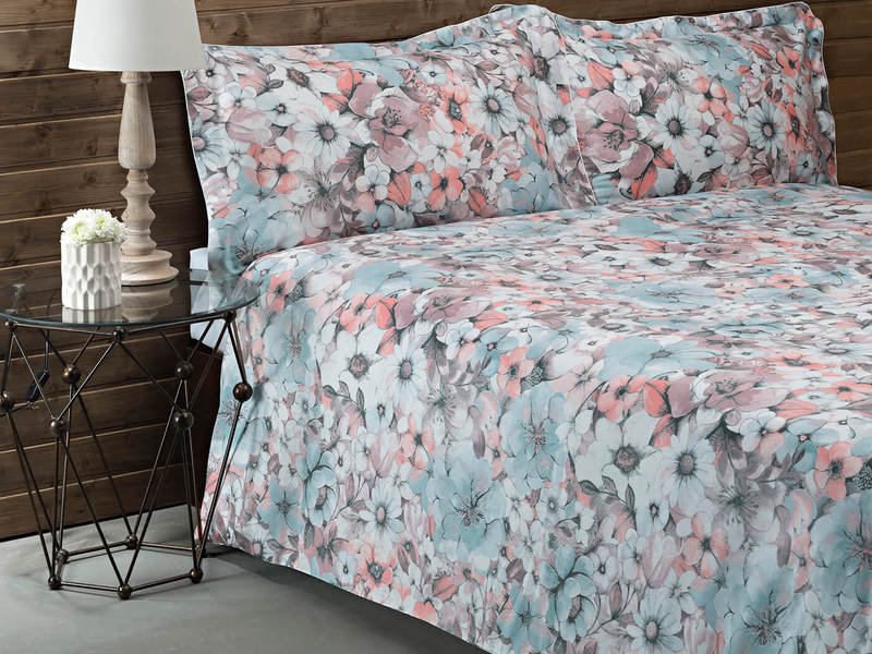 Margaritte Coral Bedding by St. Pierre