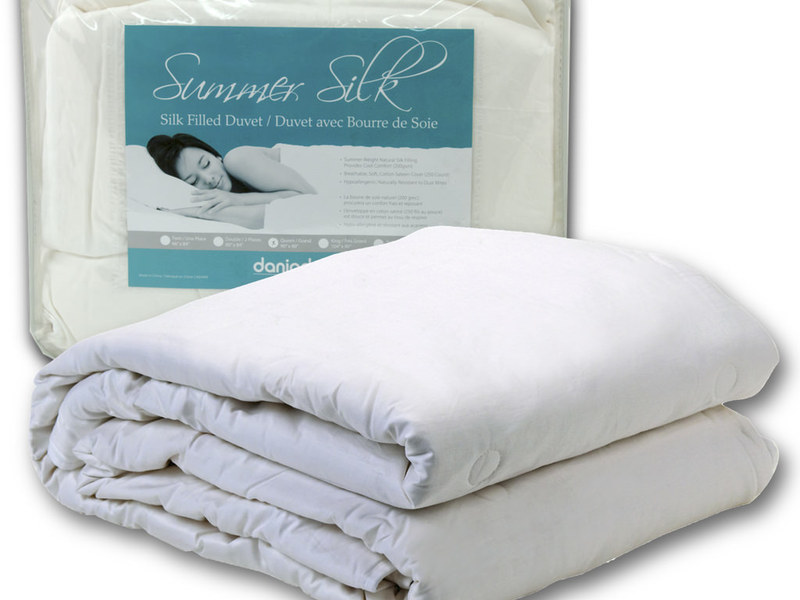 Summer Silk Duvets <br>by Daniadown