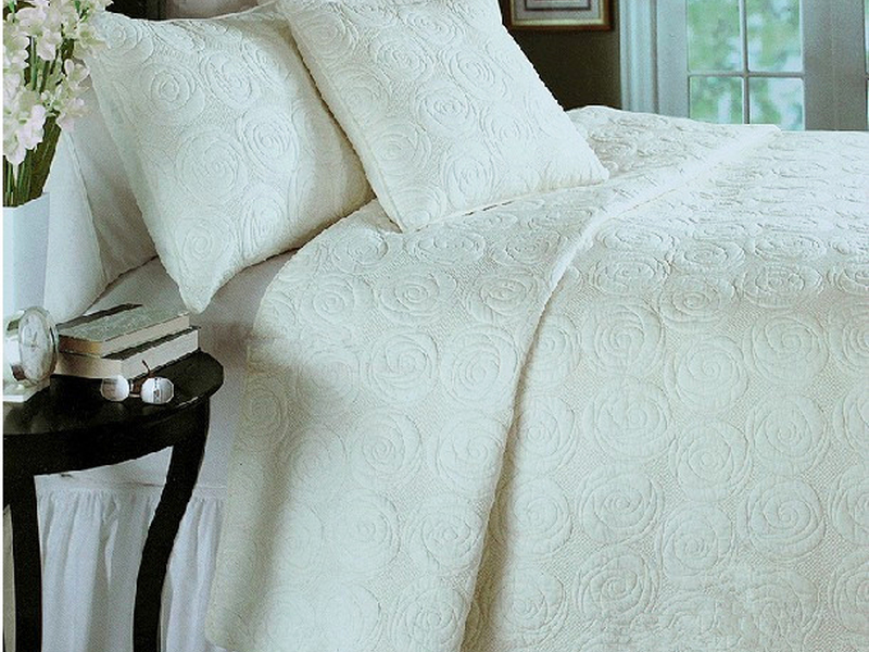 White Rose Quilt <br>by Cotton On