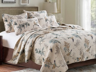 Leah Quilt <br>by Cotton On