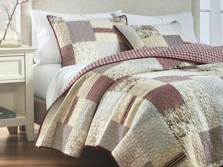 Lattice Quilt <br>by Peace Arch